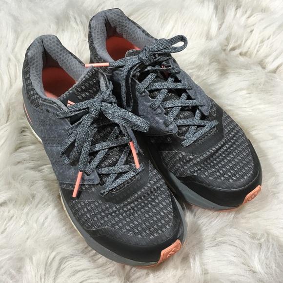 Adidas Supernova Sequence Athletic zapatos 65 poshmark gris